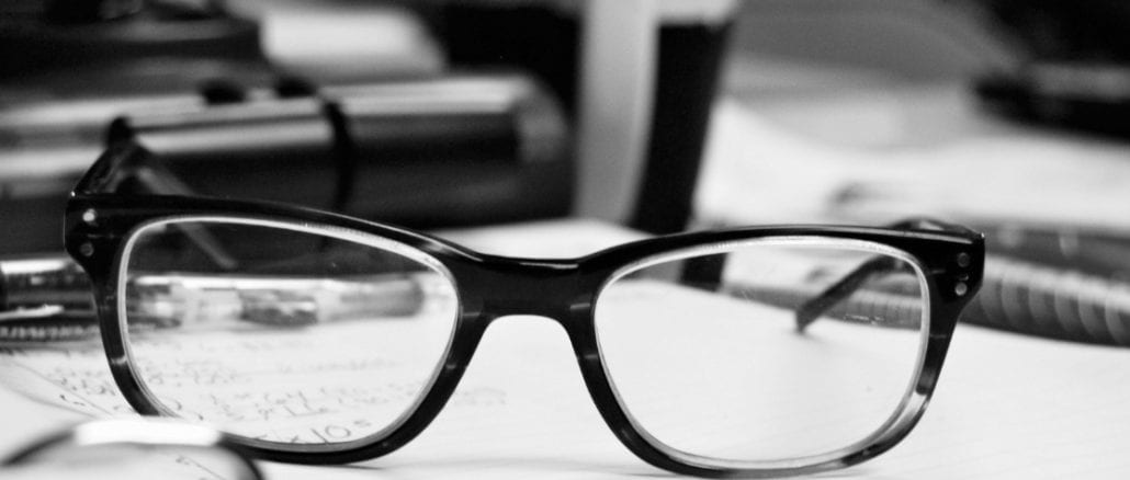 What You Should Know About Progressive Lenses [Pros & Cons